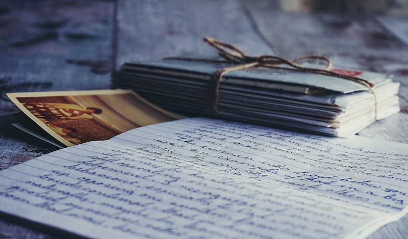 writing a query letter to an agent, how to address a query letter